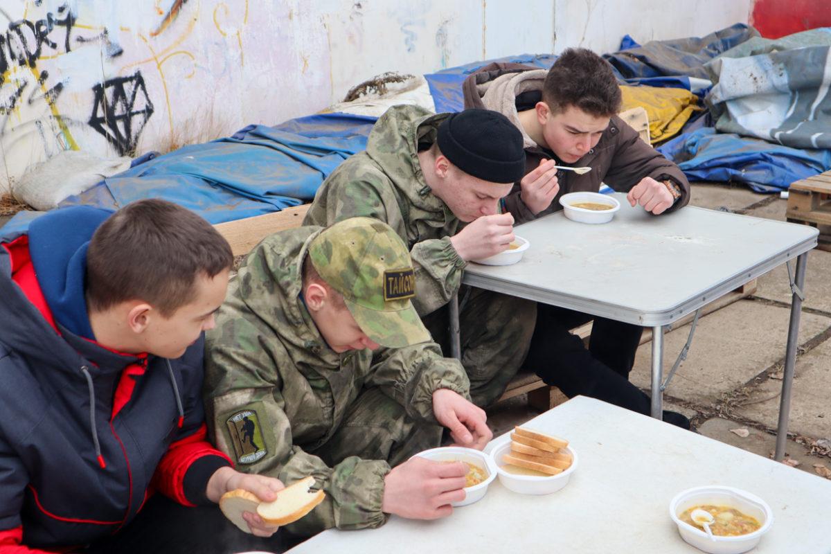 В Луганске отметили шестую годовщину создания Клуба начальной военной подготовки «Доброволец» 5