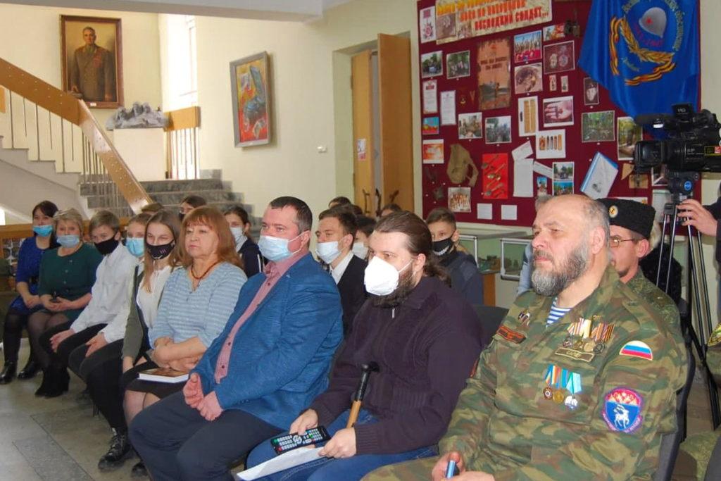 В разных городах ЛНР активисты ОД «Мир Луганщине» провели памятные мероприятия к годовщине окончания Чернухино-Дебальцевской операции 17