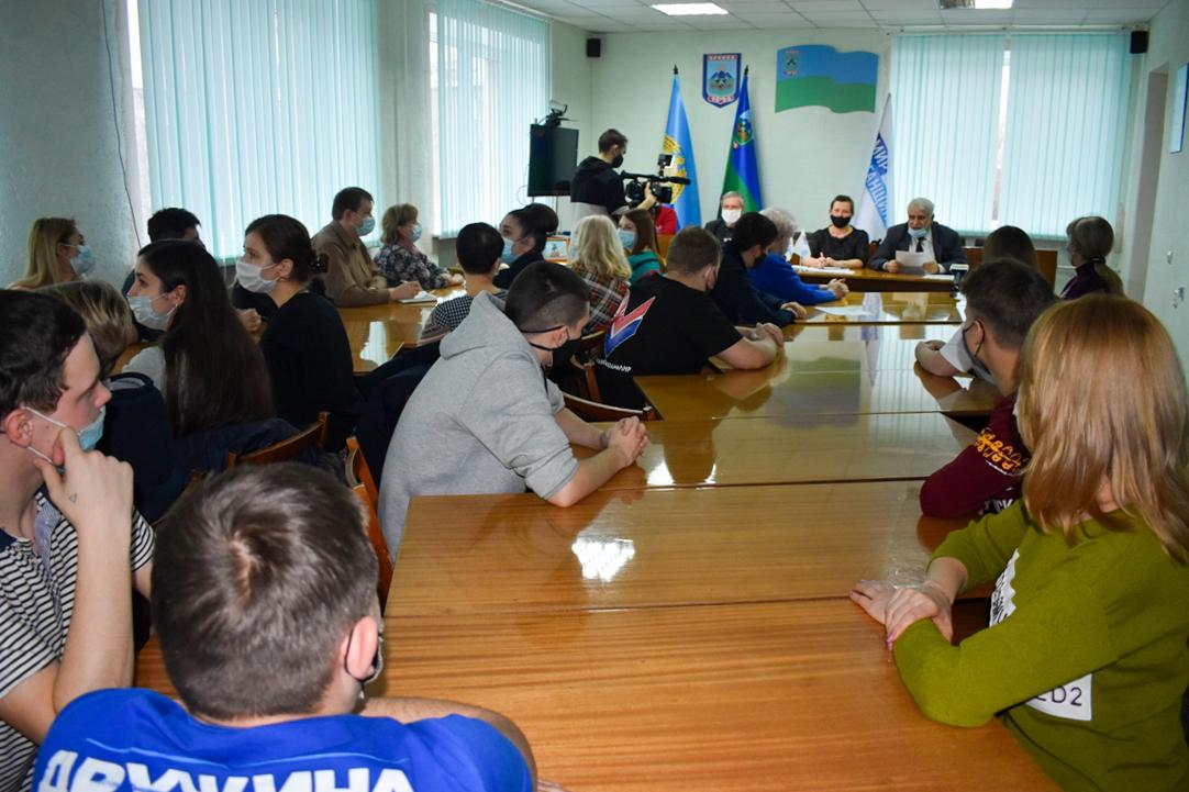 Активисты ОД «Мир Луганщине» из Брянки провели «Урок правды»
