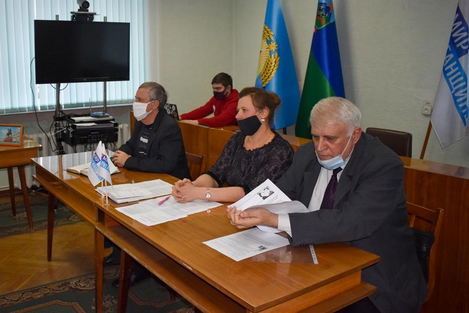 Активисты ОД «Мир Луганщине» из Брянки провели «Урок правды» 3