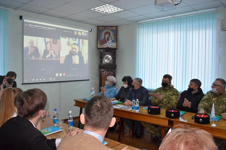 В Брянке прошёл 5-й Антифашистский форум «Верим в Донбасс» 3