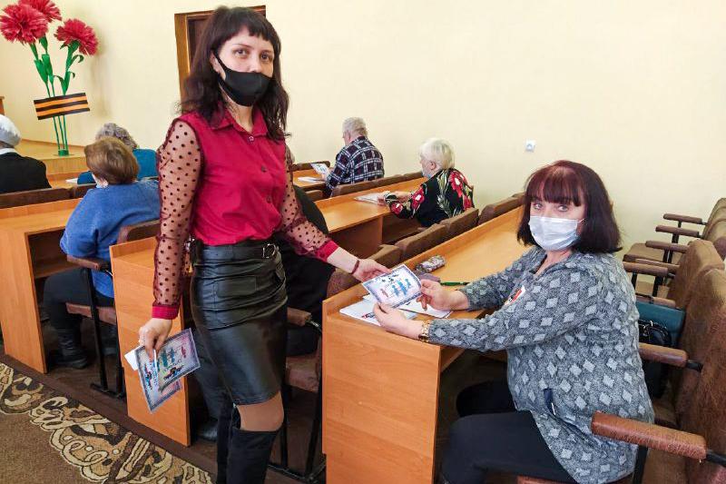 В Перевальске активисты проектов «Молодая Гвардия» и «Забота о ветеранах» приняли участие в брейн-ринге 4