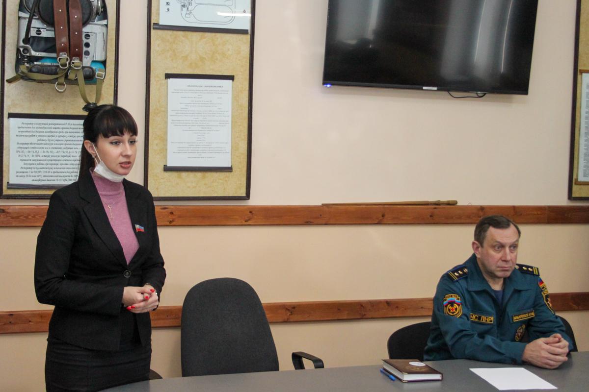 Александра Коваленко встретилась с активистами Краснодонского теротделения ОД «Мир Луганщине»