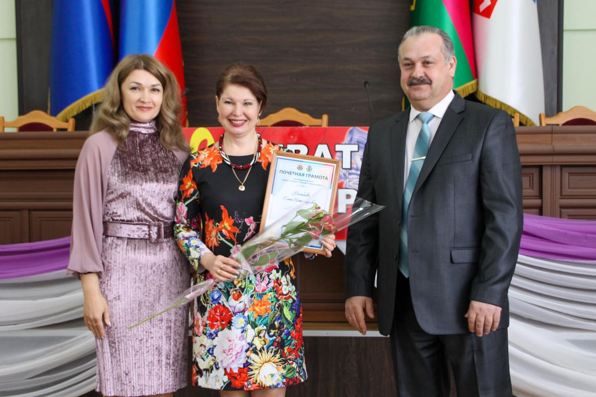 Работников сферы культуры Антрацитовского района поздравили с праздником 2