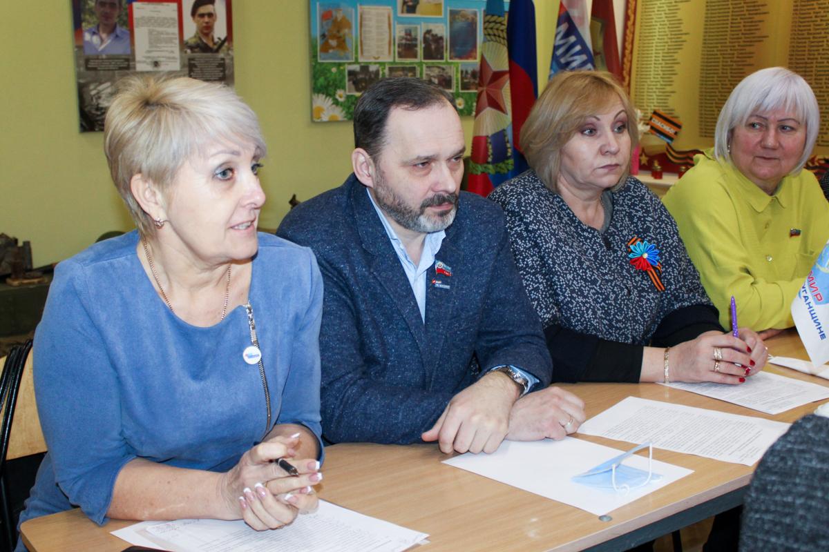В Славяносербском районе прошёл круглый стол, посвящённый 115-й годовщине со дня рождения Алексея Ерёменко