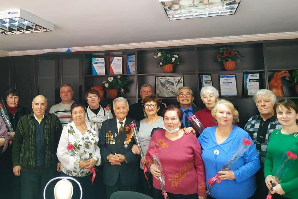 Активисток ветеранского первичного отделения Свердловского теротделения поздравили с 8 Марта