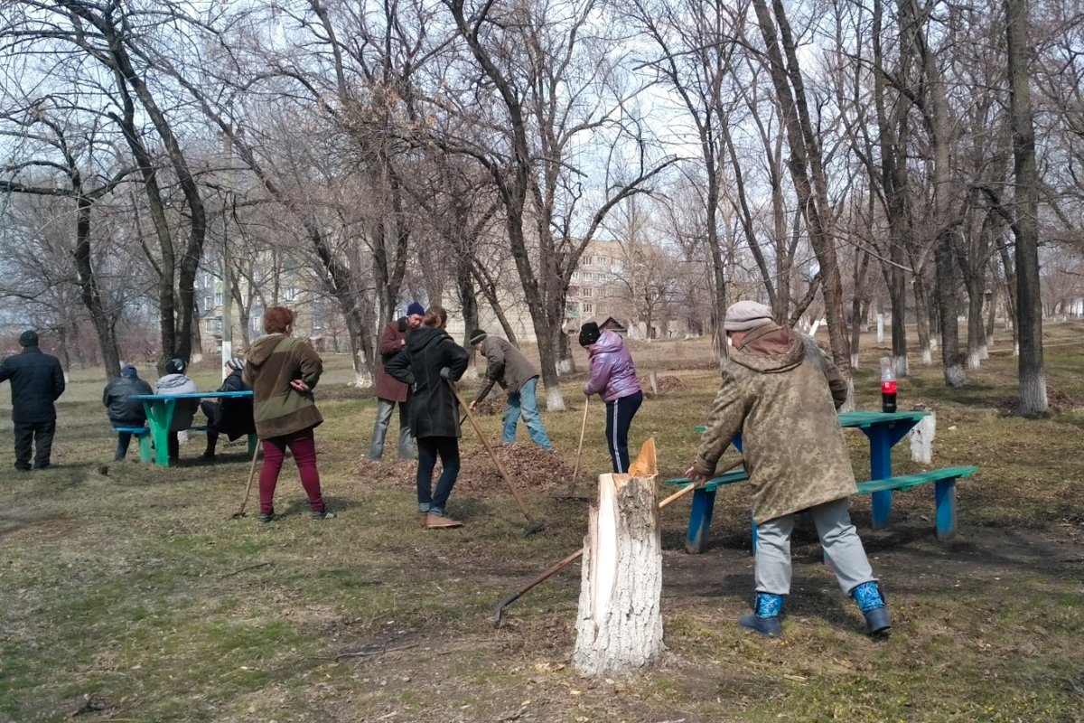 В посёлке Донецкий прошёл субботник