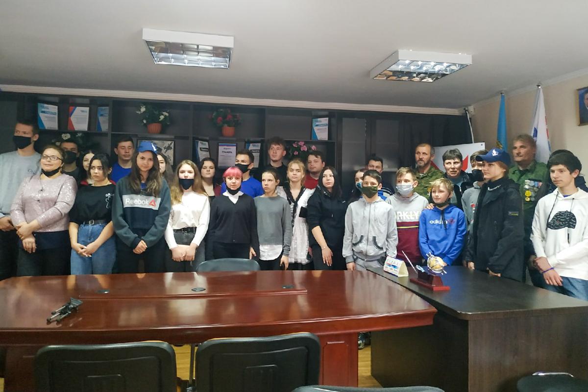 В Свердловске прошел круглый стол, посвящённый 7-й годовщине взятия здания СБУ в Луганске 2