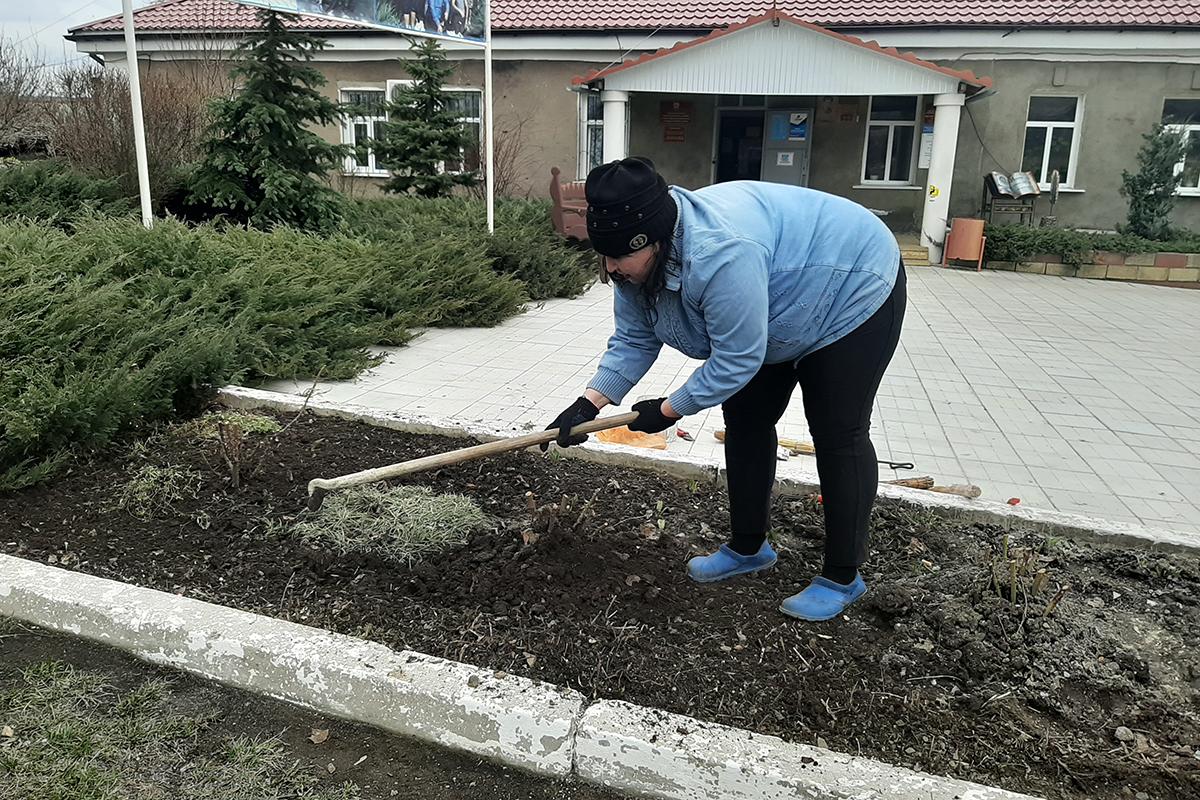 Активисты Городищенского первичного отделения ОД «Мир Луганщине» провели субботник 4
