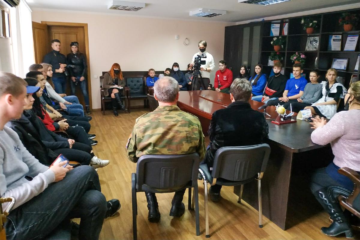 В Свердловске прошел круглый стол, посвящённый 7-й годовщине взятия здания СБУ в Луганске