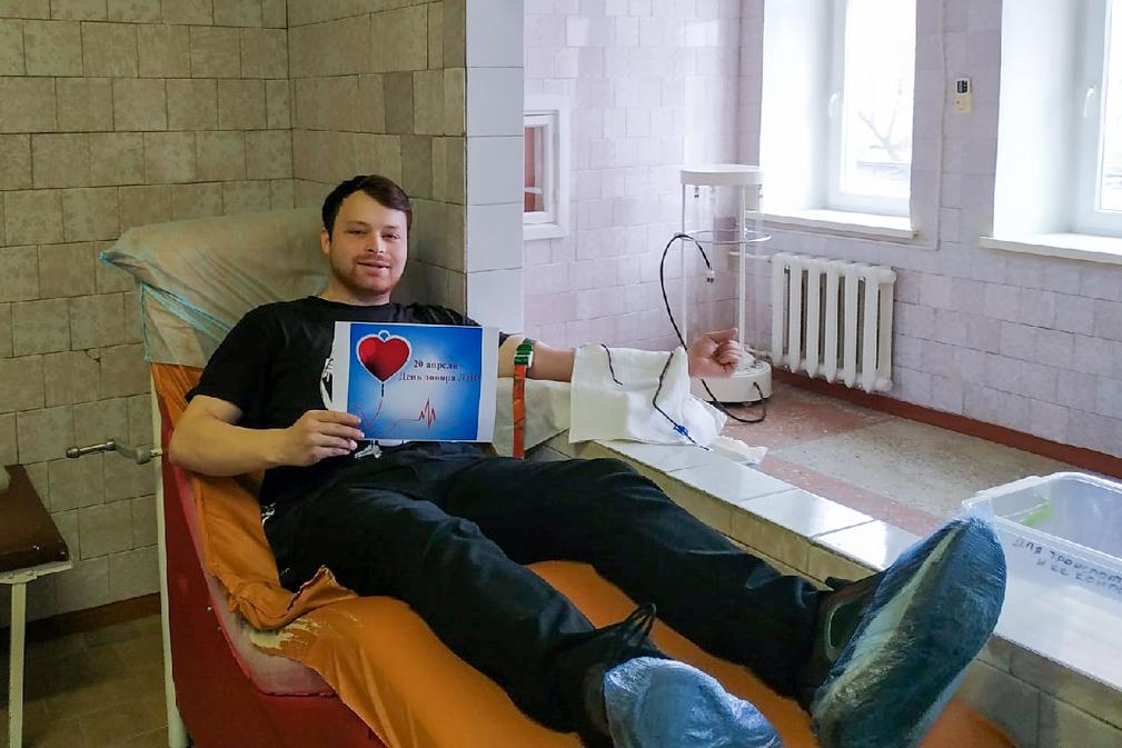 Активисты ОД «Мир Луганщине» из Свердловска стали донорами крови 2