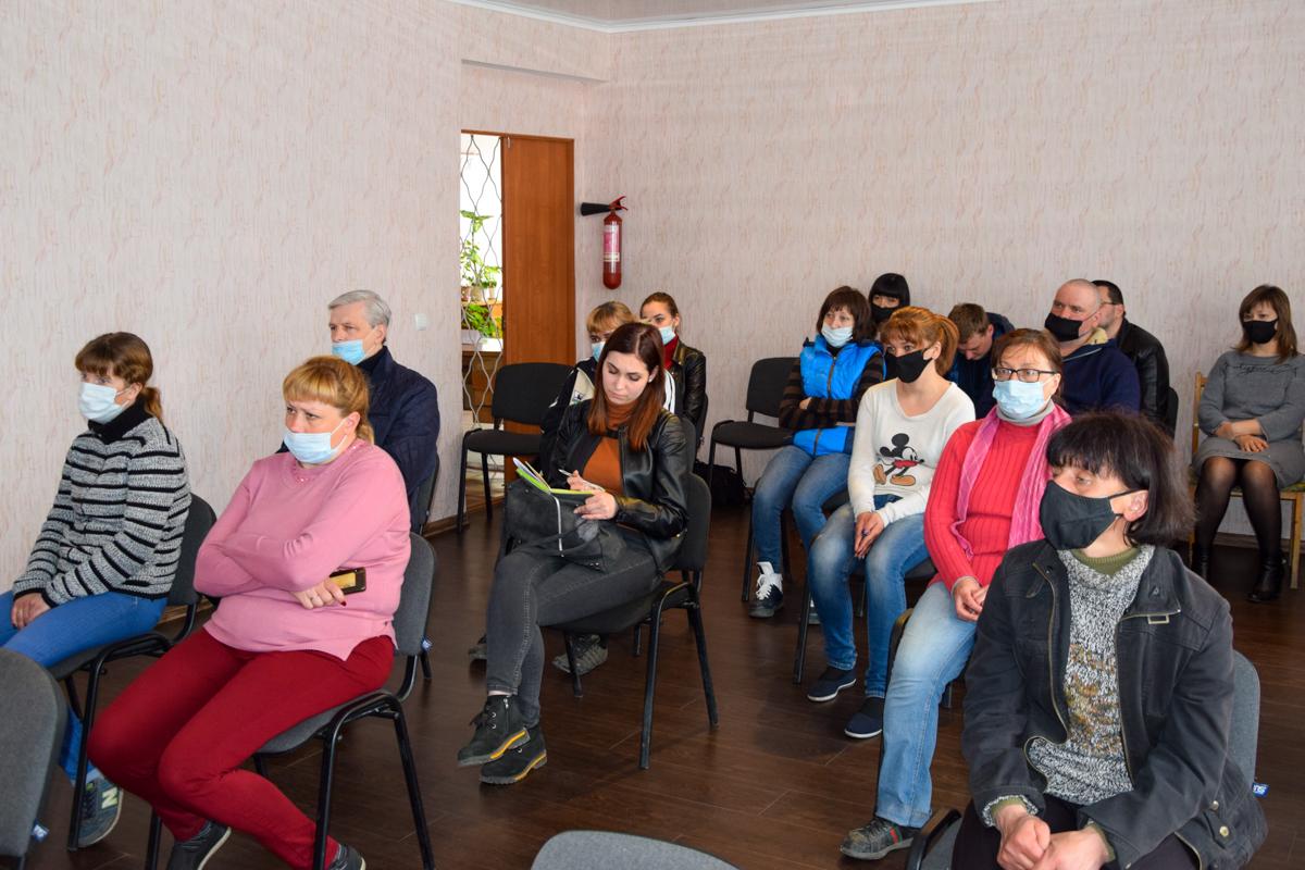 Встреча Дениса Мирошниченко с активистами первичного отделения ОД «Мир Луганщине» прошла в Миусинске 2