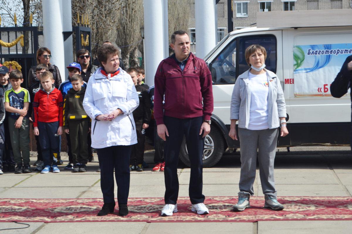 «Беги вместо меня» – на благотворительном забеге в Стаханове собрали 230 тысяч рублей на реабилитацию детей с инвалидностью 3