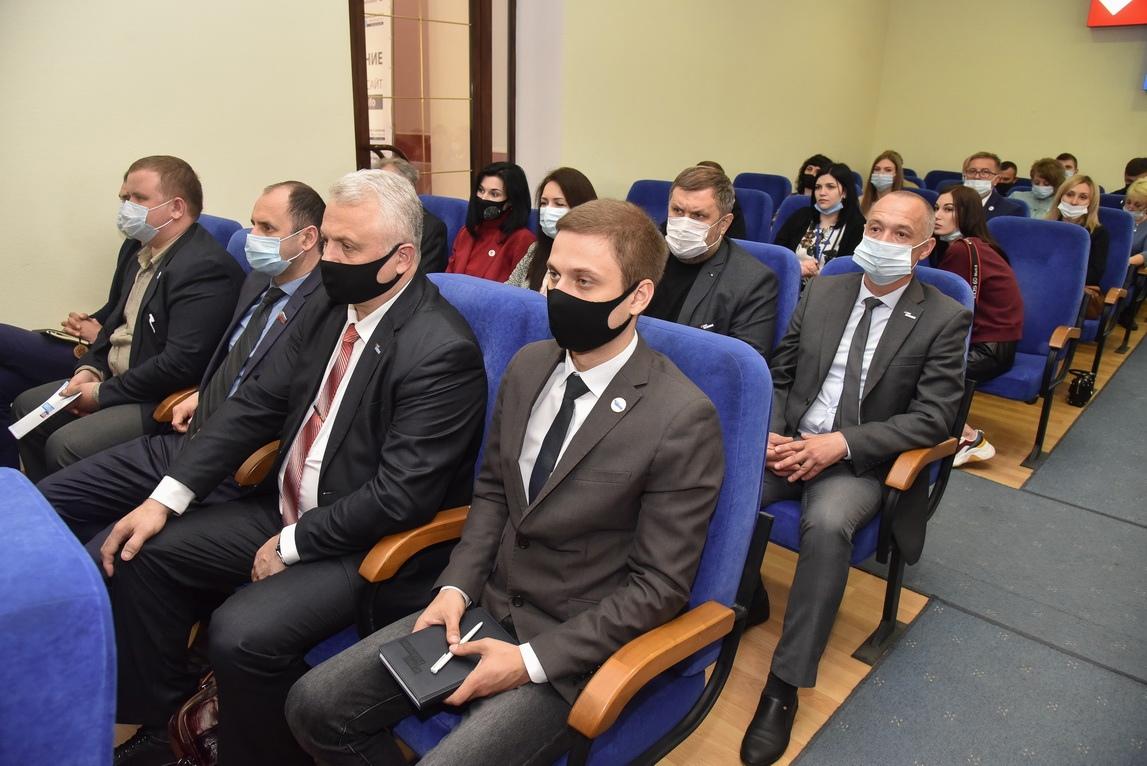 Глава ЛНР встретился c участниками ОД «Мир Луганщине» 4