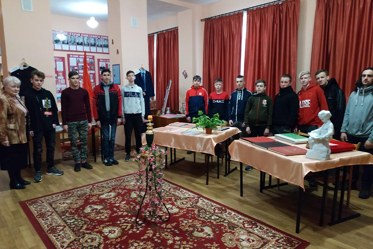 В городах и районах Республики почтили память жертв украинской агрессии 25