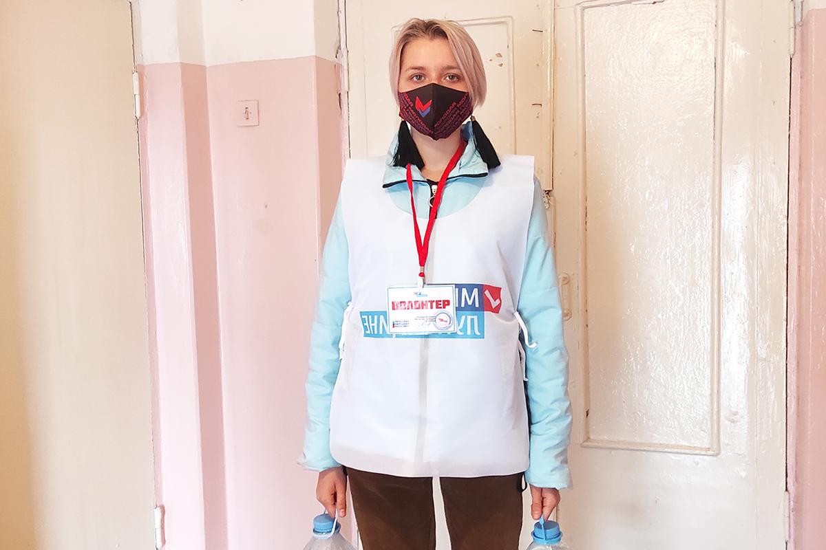 Двум жителям Алчевска помогли волонтеры акции «Рука помощи»