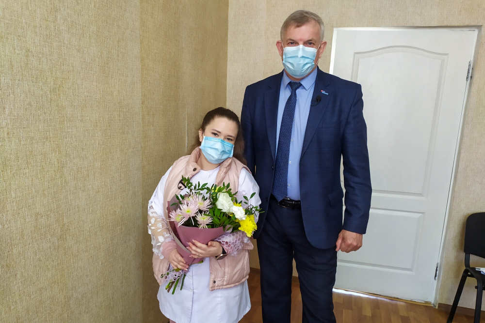В преддверии Праздника Весны и Труда в Краснодоне поздравили представителей трудовых профессий 2