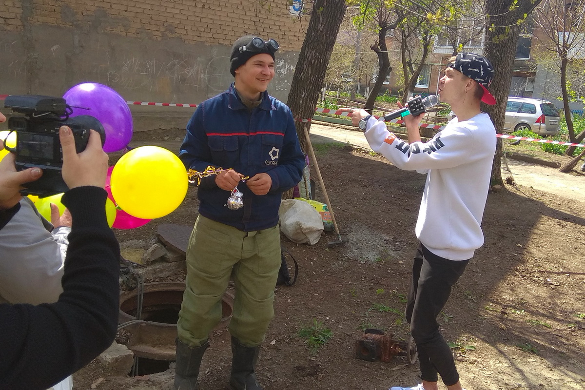 В Луганске поздравили с наступающим Праздником Весны и Труда молодых специалистов