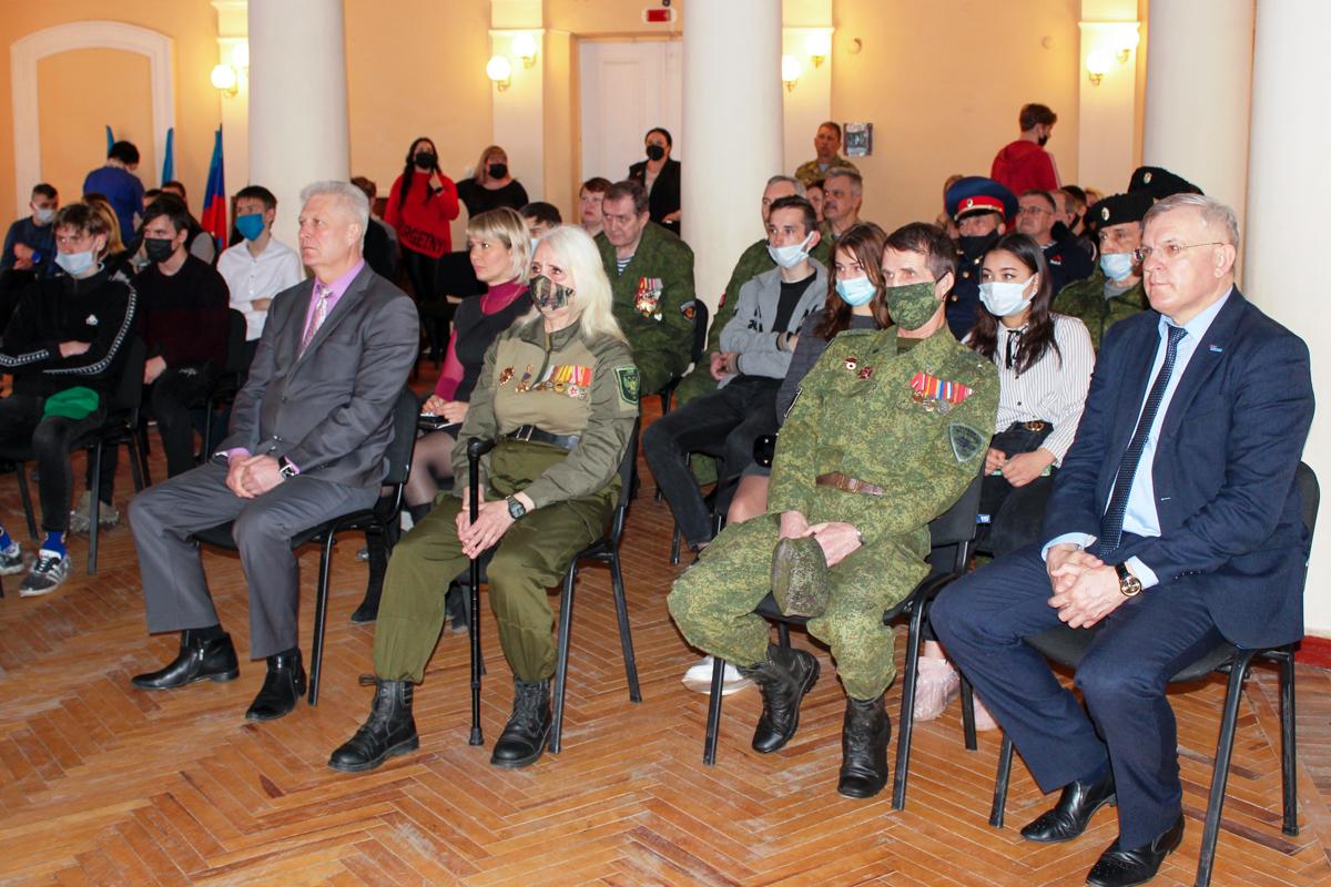 Активисты ОД «Мир Луганщине» в разных городах и районах ЛНР провели мероприятия, посвящённые 7-й годовщине взятия СБУ 9