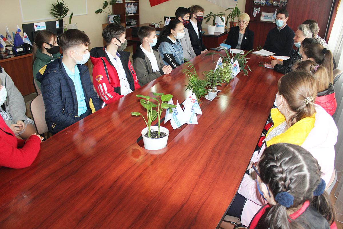 Информационный час, посвященный Дню донора, состоялся в Славяносербске 2