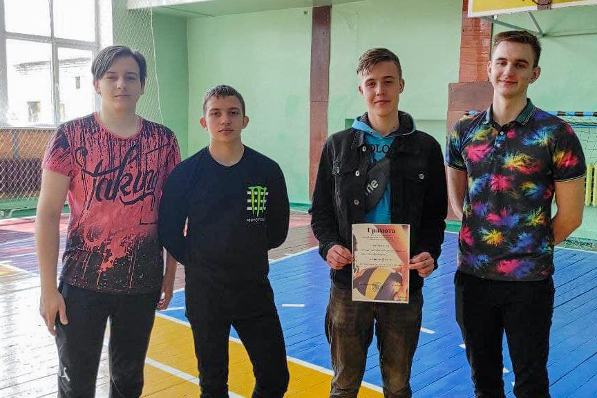 Соревнования по волейболу прошли в Антраците в рамках акции «20 дней здоровья» 2