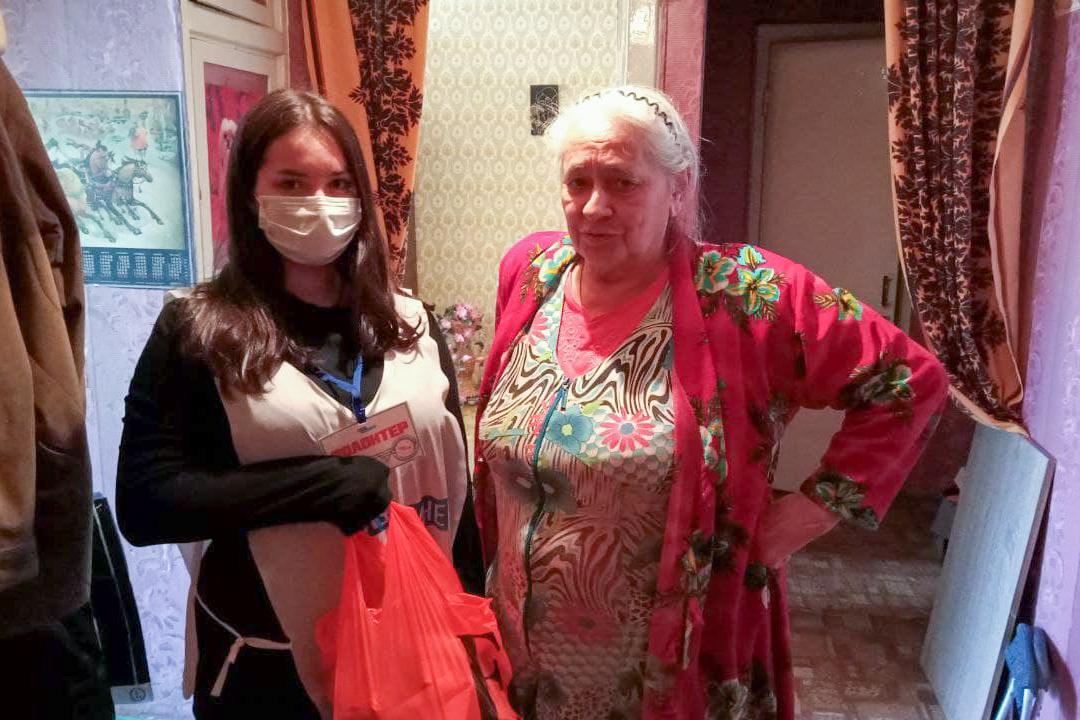 В рамках акции «Рука помощи» за неделю волонтёры помогли 33 жителям ЛНР