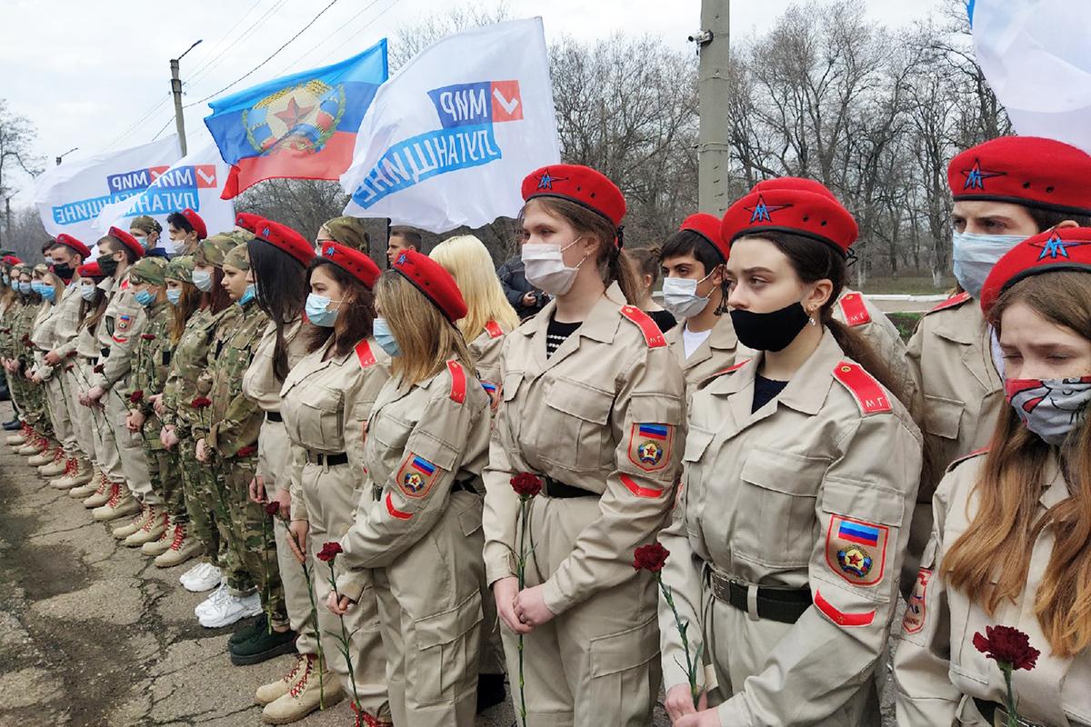В городах и районах Республики почтили память жертв украинской агрессии 6