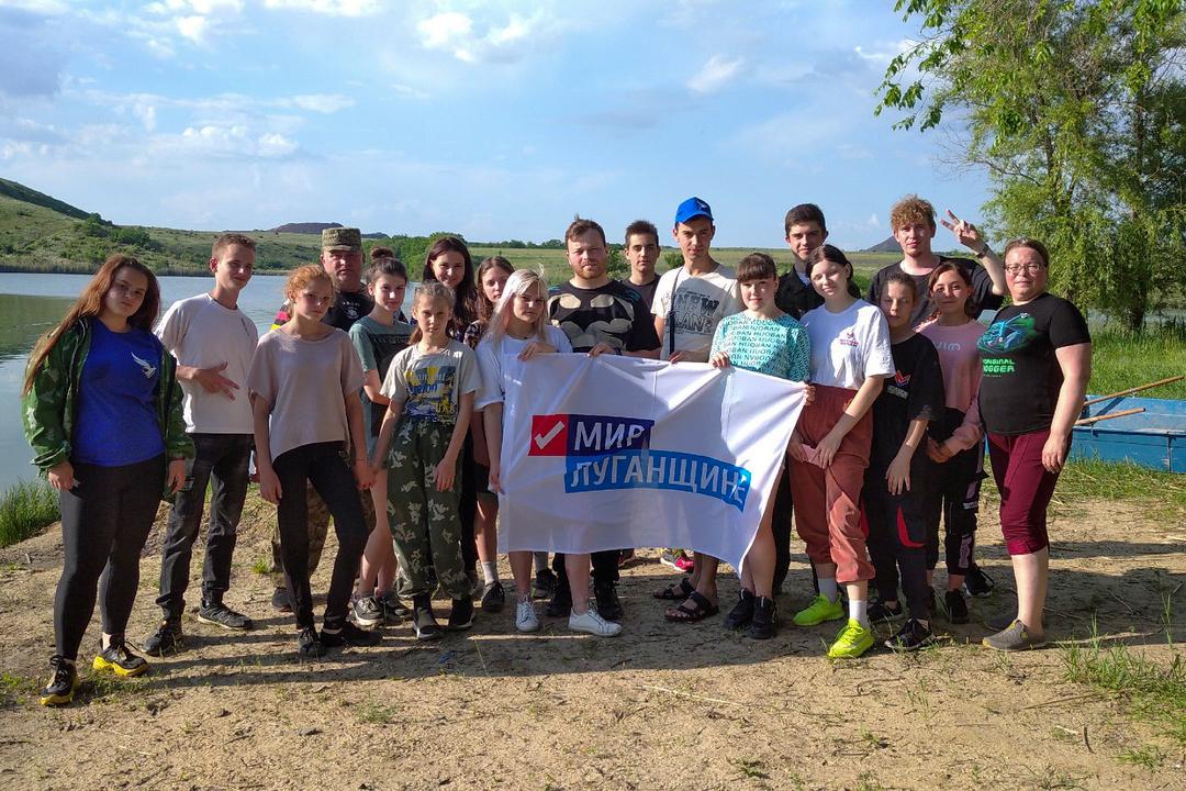 В селе Березовка активисты провели субботник возле пруда