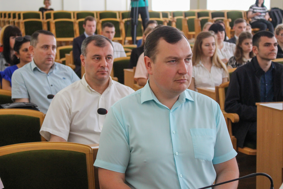 Депутаты Молодёжного парламента ЛНР провели первое пленарное заседание 3