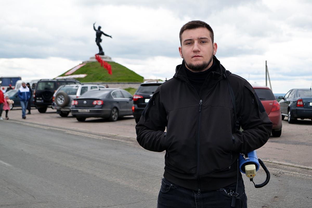 У памятника «Комбату» развернули 300-метровую Георгиевскую ленту 4