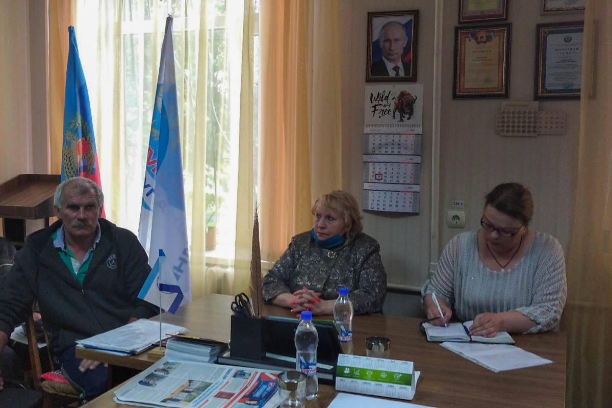 В селе Александровка прошла встреча руководителя исполкома с активистами
