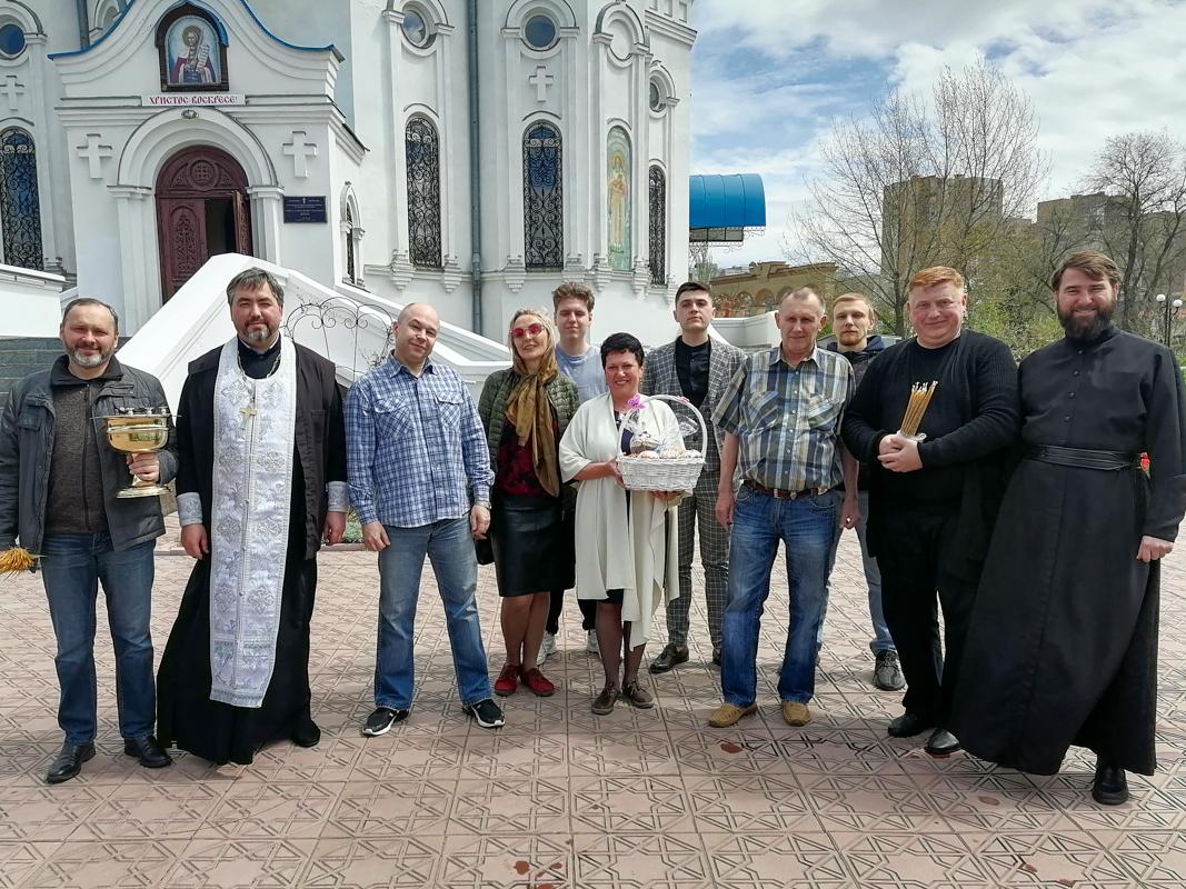 Ирина Андрух и Андрей Лицоев поздравили с Пасхой воспитанников Республиканского социально-реабилитационного центра 1
