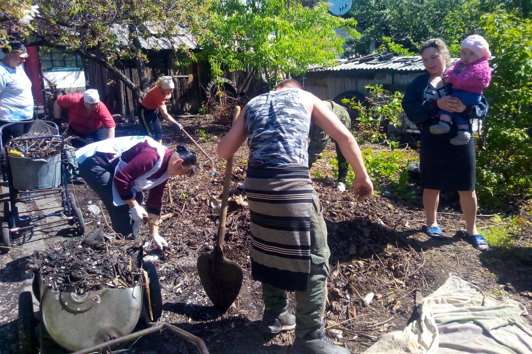 Краснодонские активисты помогли жительнице посёлка Урало-Кавказ