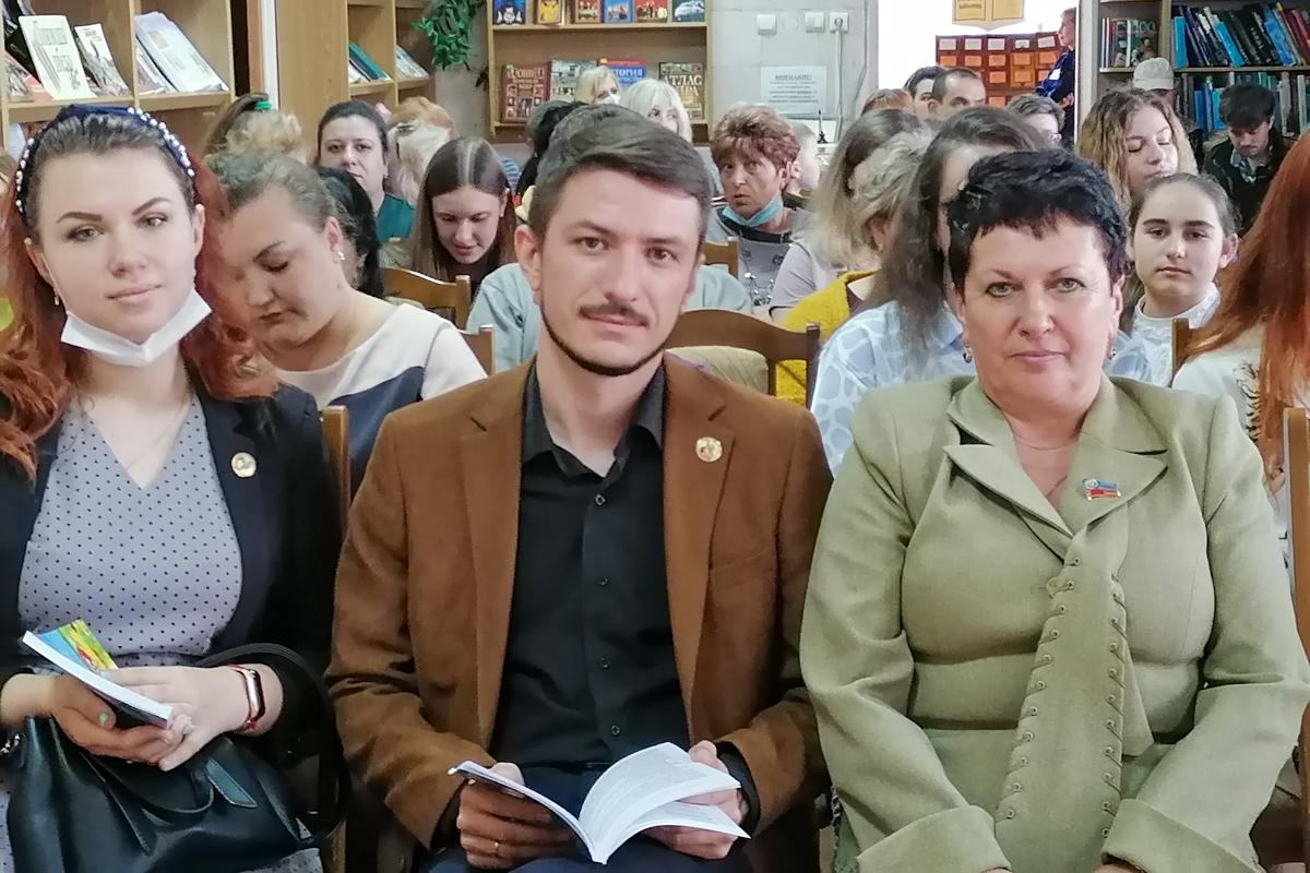 В награждении победителей конкурса «Молодые голоса Луганской Народной Республики» приняла участие Ирина Андрух