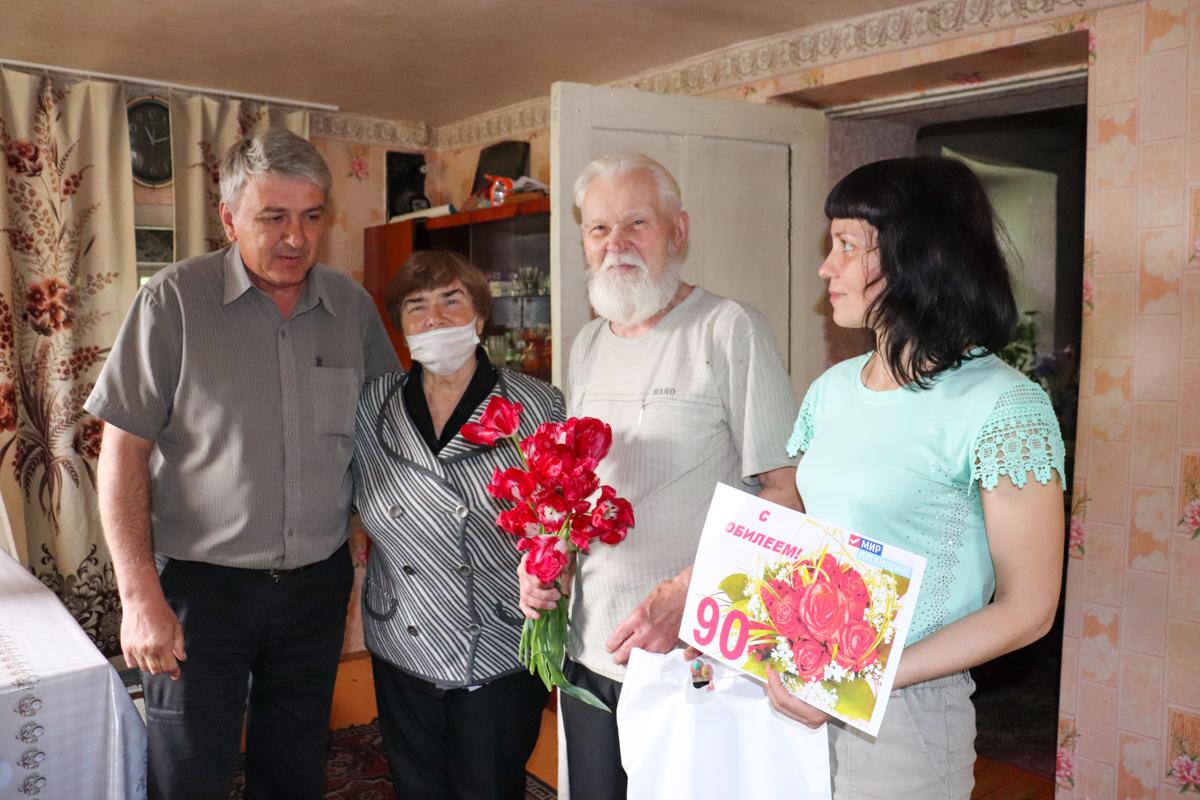 В Перевальске поздравили с днём рождения участника боевых действий Великой Отечественной войны