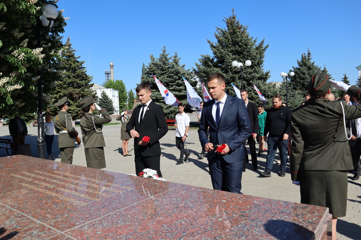 Молодёжь ЛНР и ДНР подписала соглашение о сотрудничестве и провозгласила манифест 5