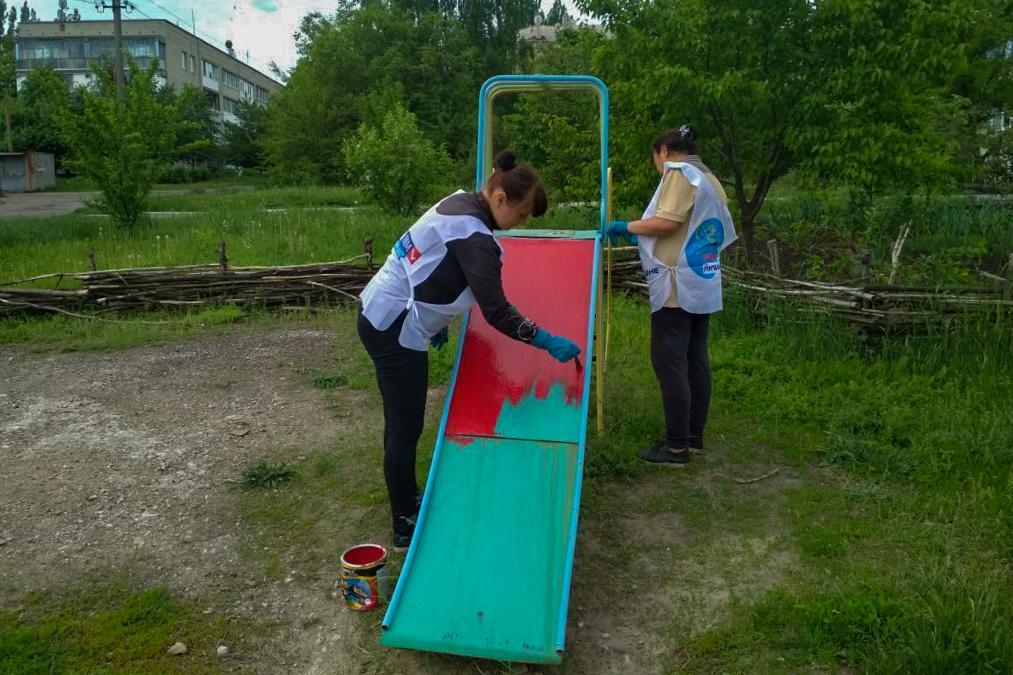Активисты ОД «Мир Луганщине» провели субботник в посёлке Фащевка 2