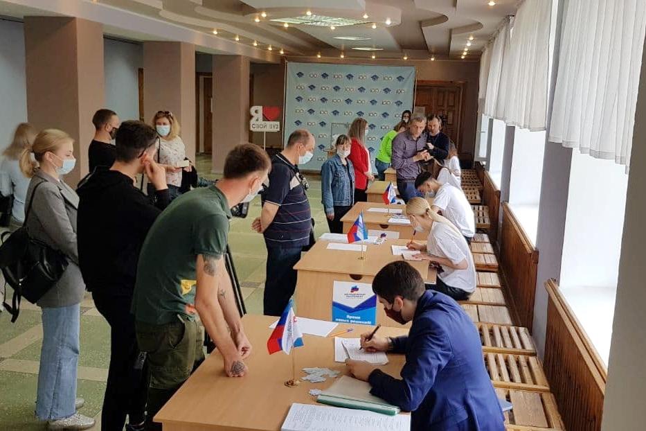 Выборы депутатов Молодёжного парламента стартовали во всех городах и районах ЛНР
