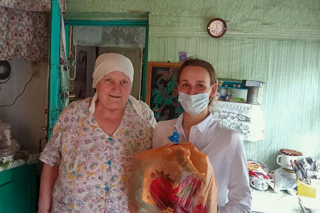 Жителям Луганска передали 73-ю партию шефской помощи от ЛЭМЗ