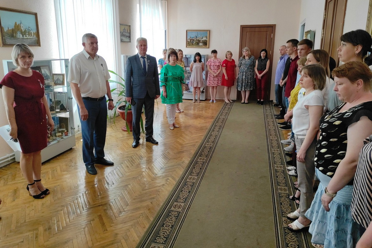 Жители ЛНР приняли участие во Всероссийской акции «Минута молчания» 2