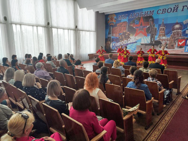 В Кировске поздравили работников социальной сферы