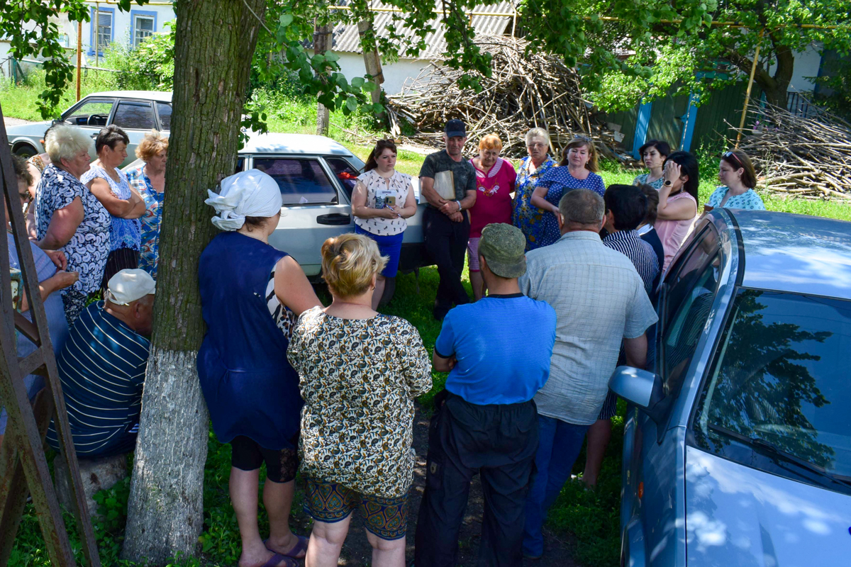 Депутаты провели встречу с жителями посёлка Борщеватое в рамках проекта «Парламентский час»