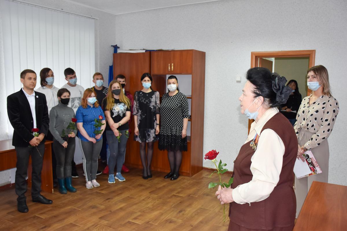 В ЛНР состоялись памятные мероприятия к 7-й годовщине авиаудара ВСУ по центру Луганска 19