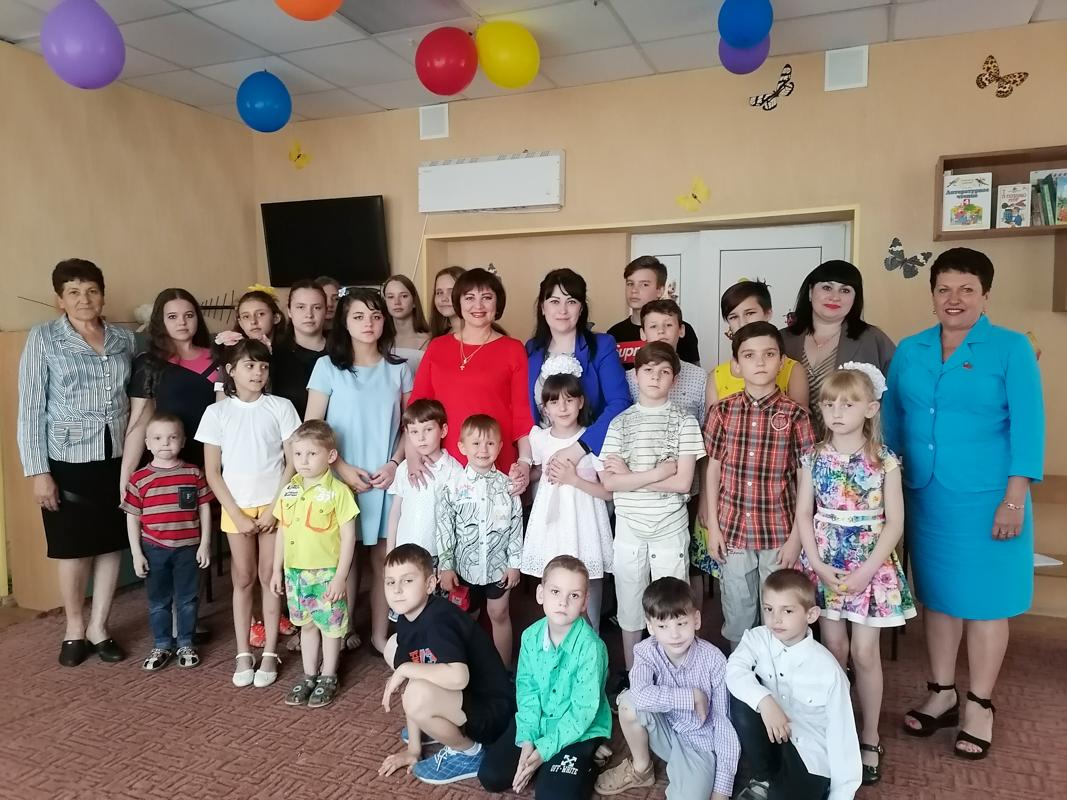 Депутат Ирина Андрух поздравила детей с Днём защиты детей 1