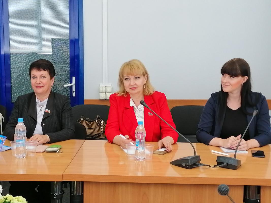 Депутаты приняли участие в заседании социального движения «Союз женщин Республики»