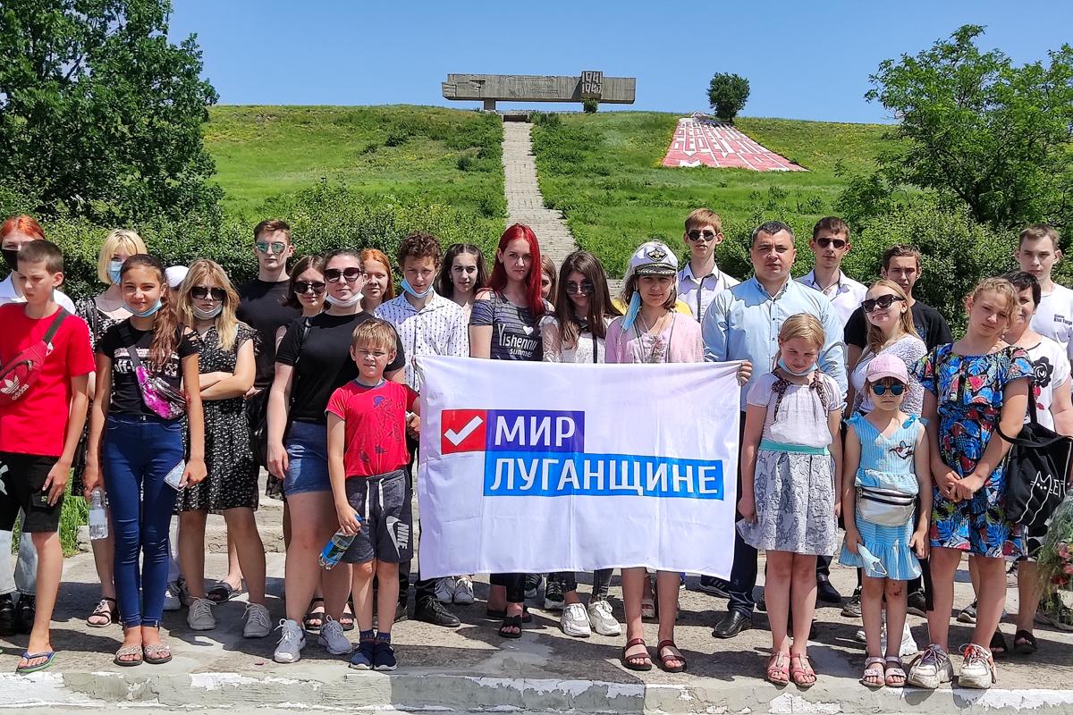 Для учеников вахрушевских учебно-воспитательных комплексов провели экскурсию в музее боевой славы 2
