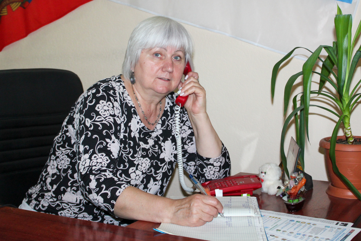 Светлана Гизай провела телефонную линию в Славяносербске