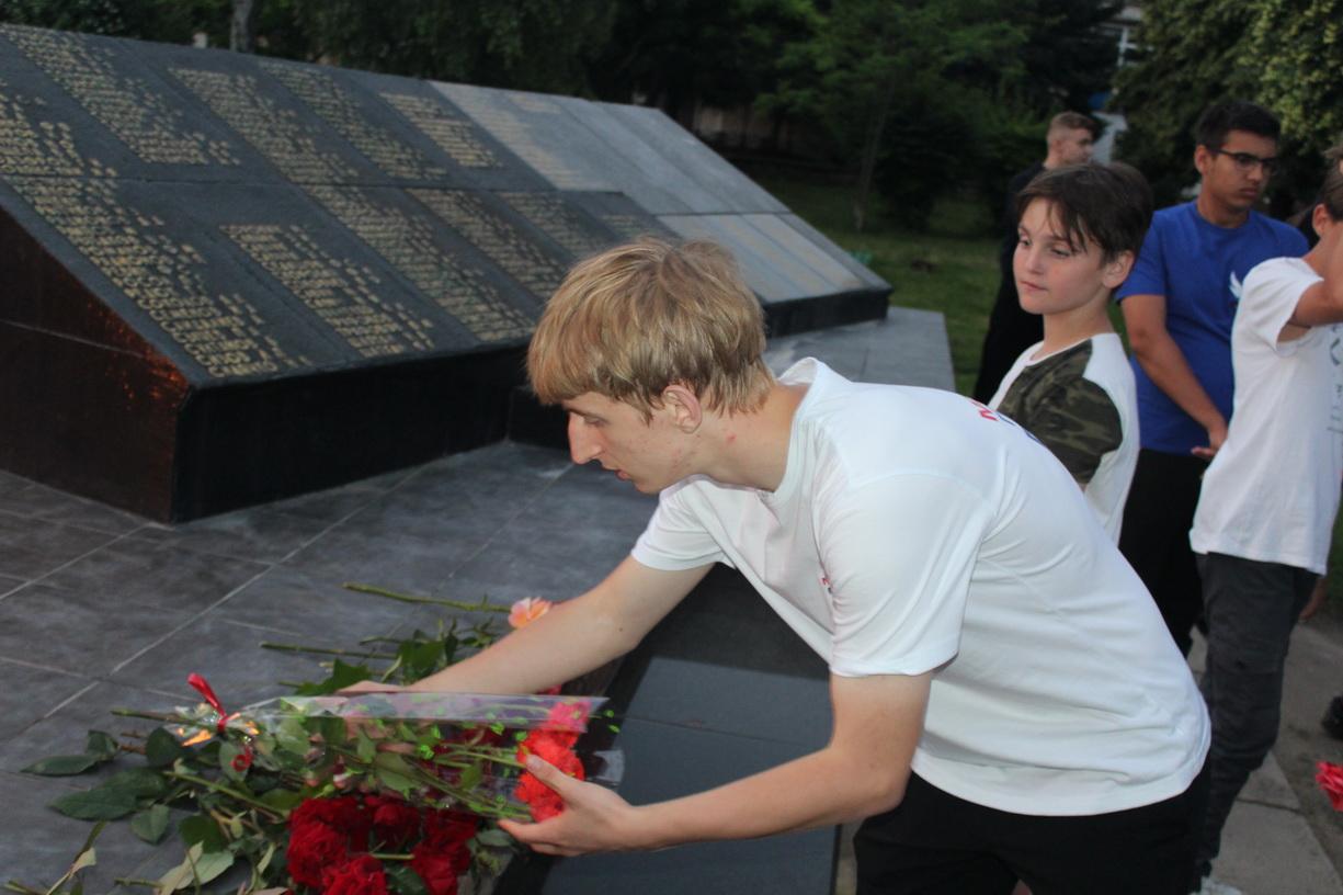 В Славяносербске прошла акция памяти, посвященная 80-й годовщине начала Великой Отечественной войны