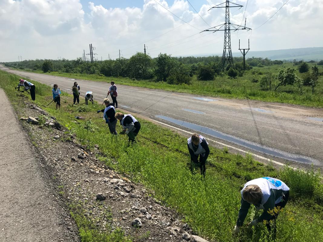 Жители и активисты Перевальского района провели субботник
