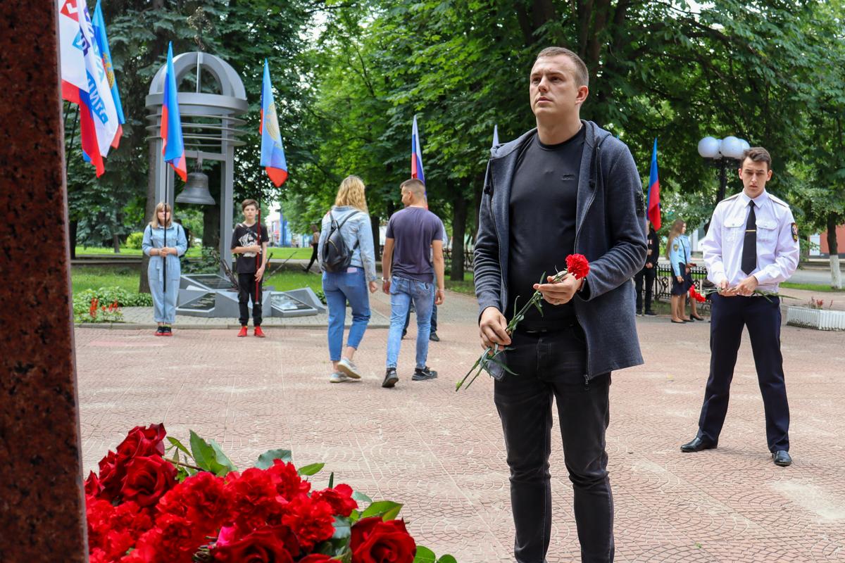 В ЛНР почтили память российских журналистов, погибших из-за миномётного обстрела со стороны ВСУ в 2014 году 4